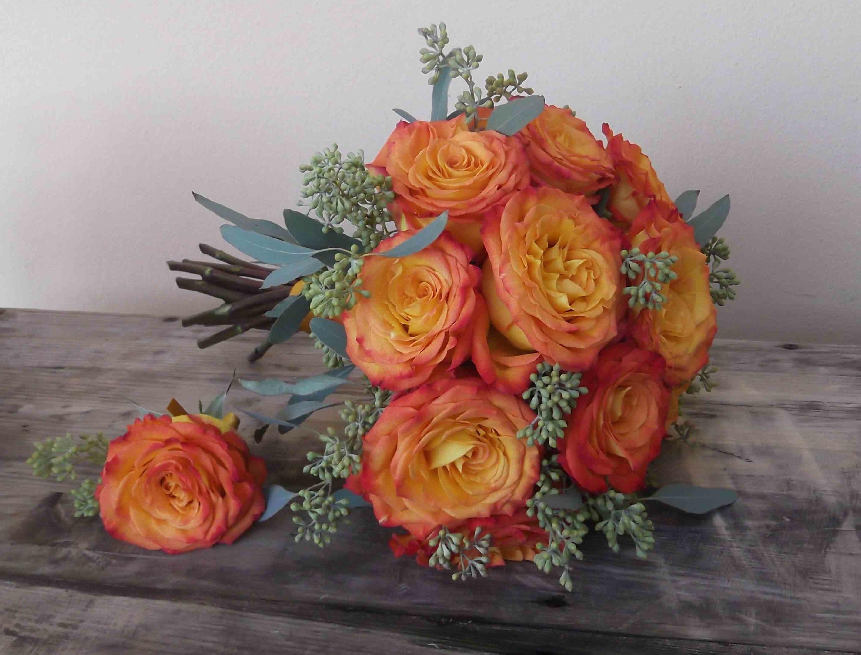 circus rose bouquet