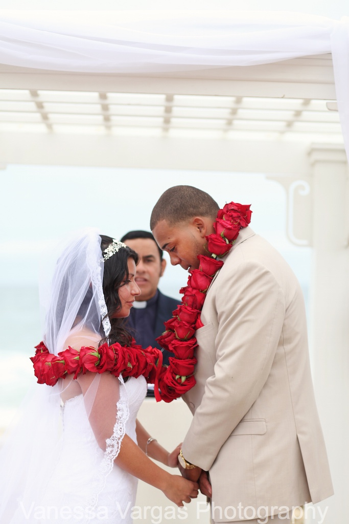red rose leis for ceremony